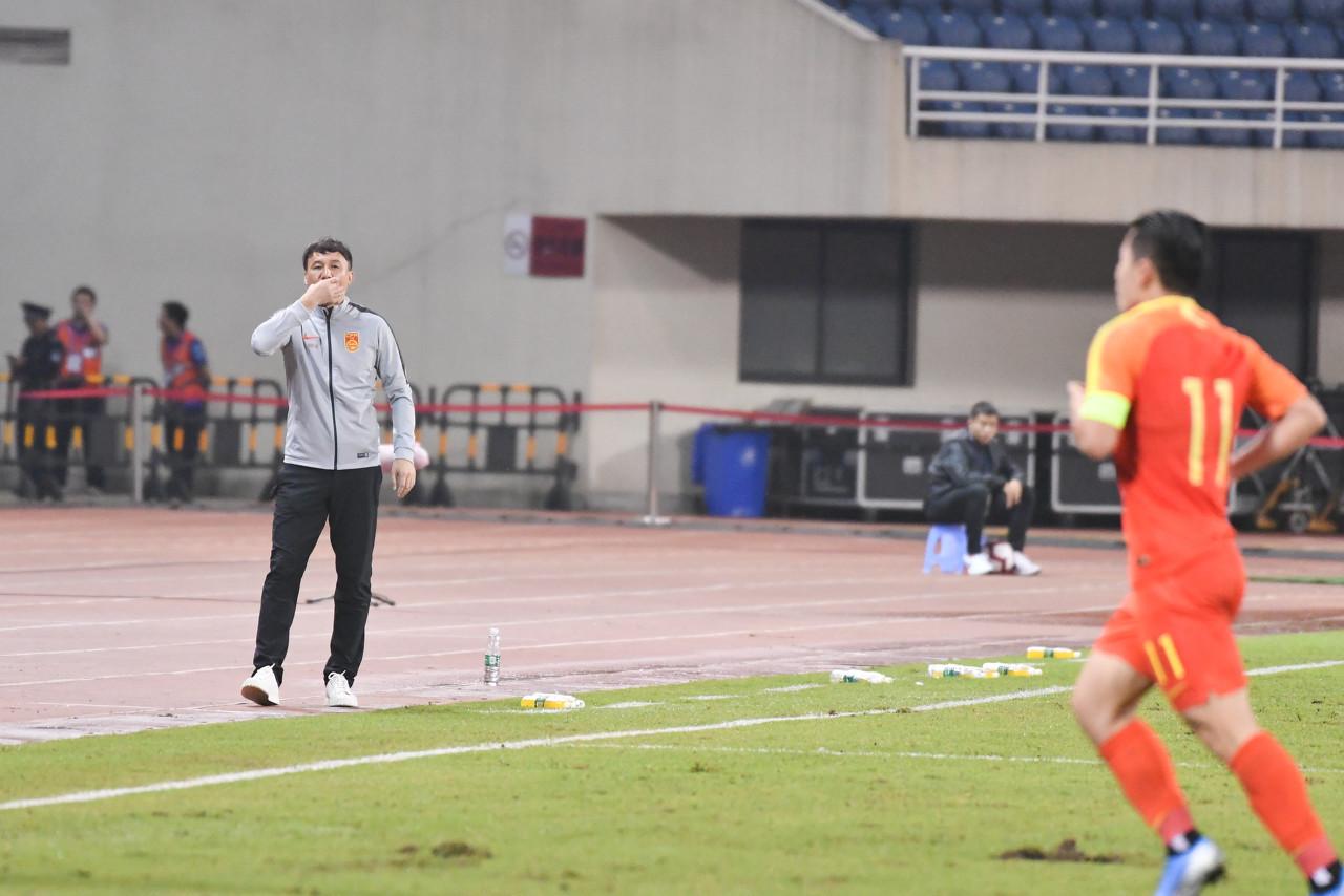 足球报:备战奥预赛,国奥将在本月3日飞往泰国
