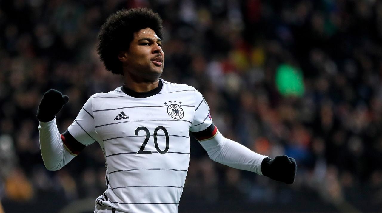 格纳布里的精彩进球中选德国国家队的年度最佳进球