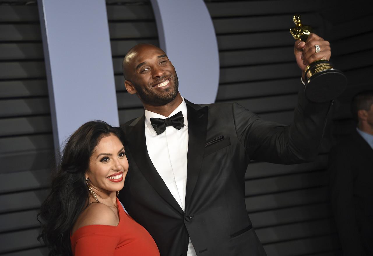 Shams:瓦妮莎&乔丹将在名人堂典礼上发表纪念科比的演讲