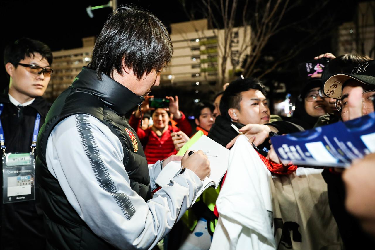 与上港赛后,李铁表彰球队打出了操练内容   