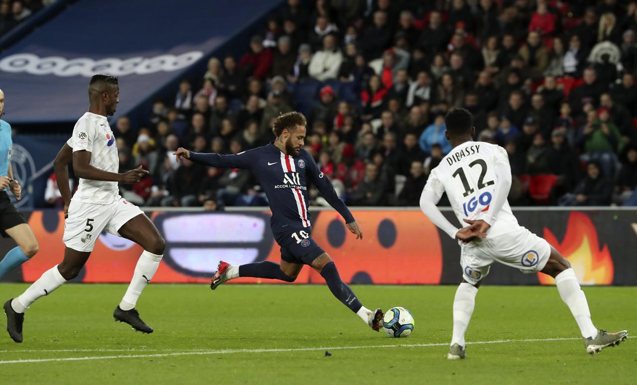 内马尔现已选择脱离巴黎,他期望重返巴萨踢球