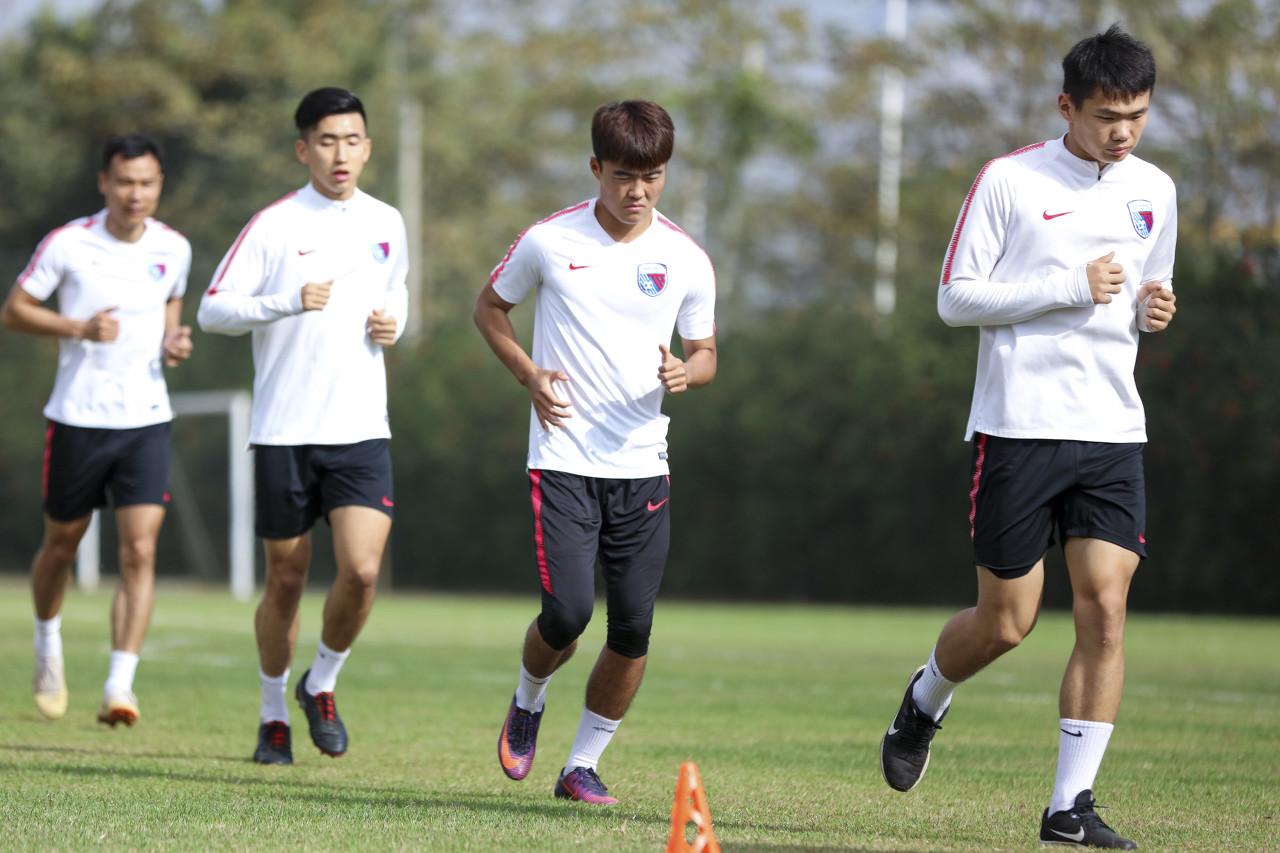天海球员可以向中国足协请求仲裁,断定自在身身份