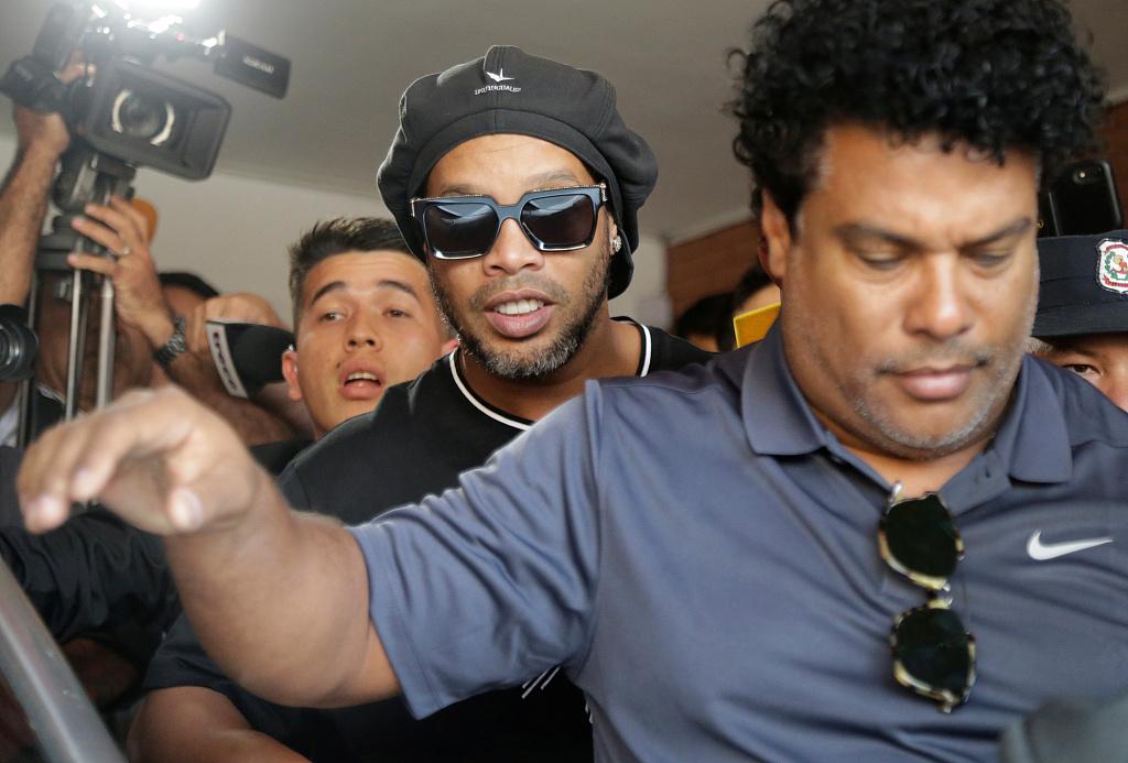 每体:罗纳尔迪尼奥和他的哥哥在本周一已被释放