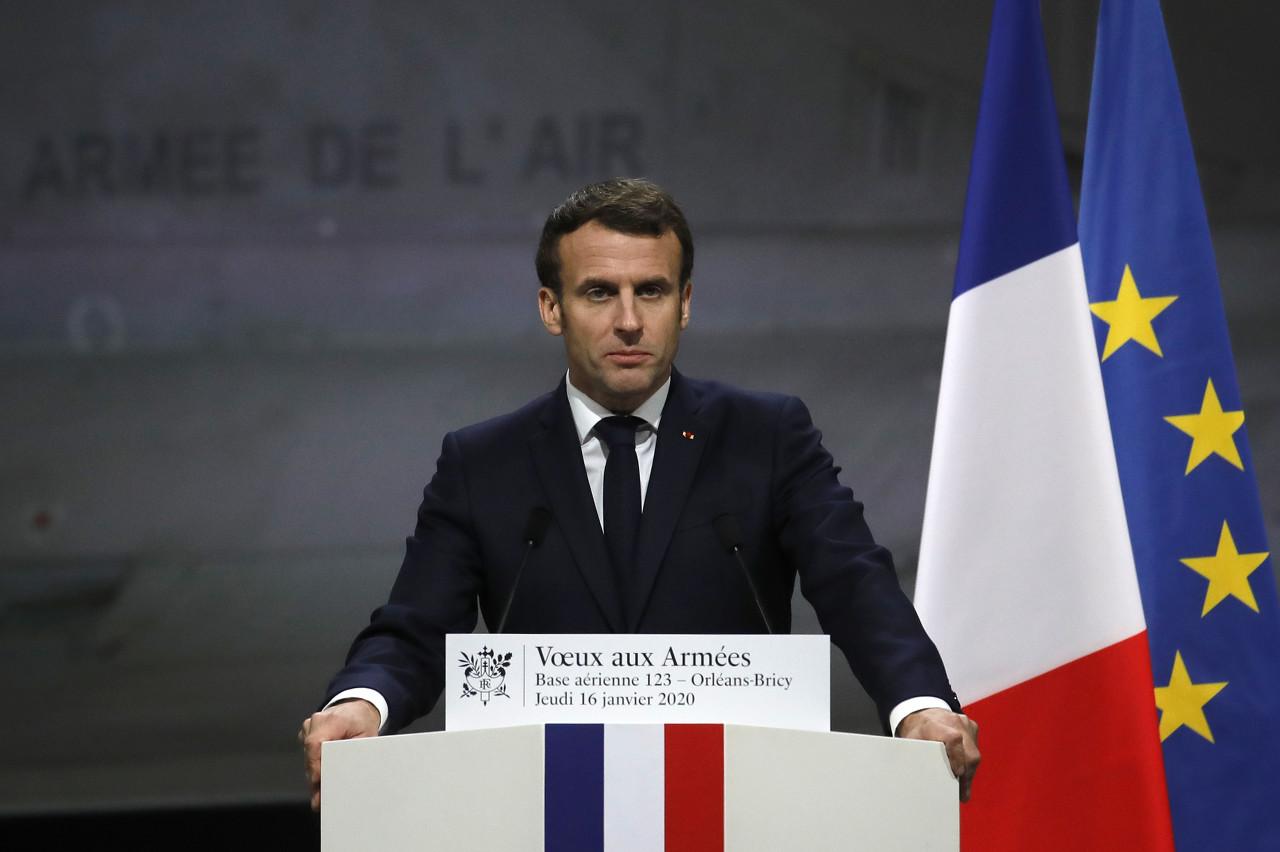 RMC:法国总统马克龙亲自下令,撤销马赛市制止穿巴黎球衣的决议