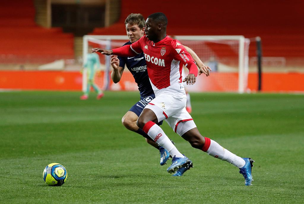 泰晤士报:曼联将摩纳哥边卫弗德-图雷列入潜在引援目标