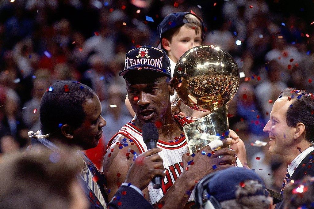 卡拉格:很了解乔丹对篮球的热忱,我也曾上头打过阿韦洛亚