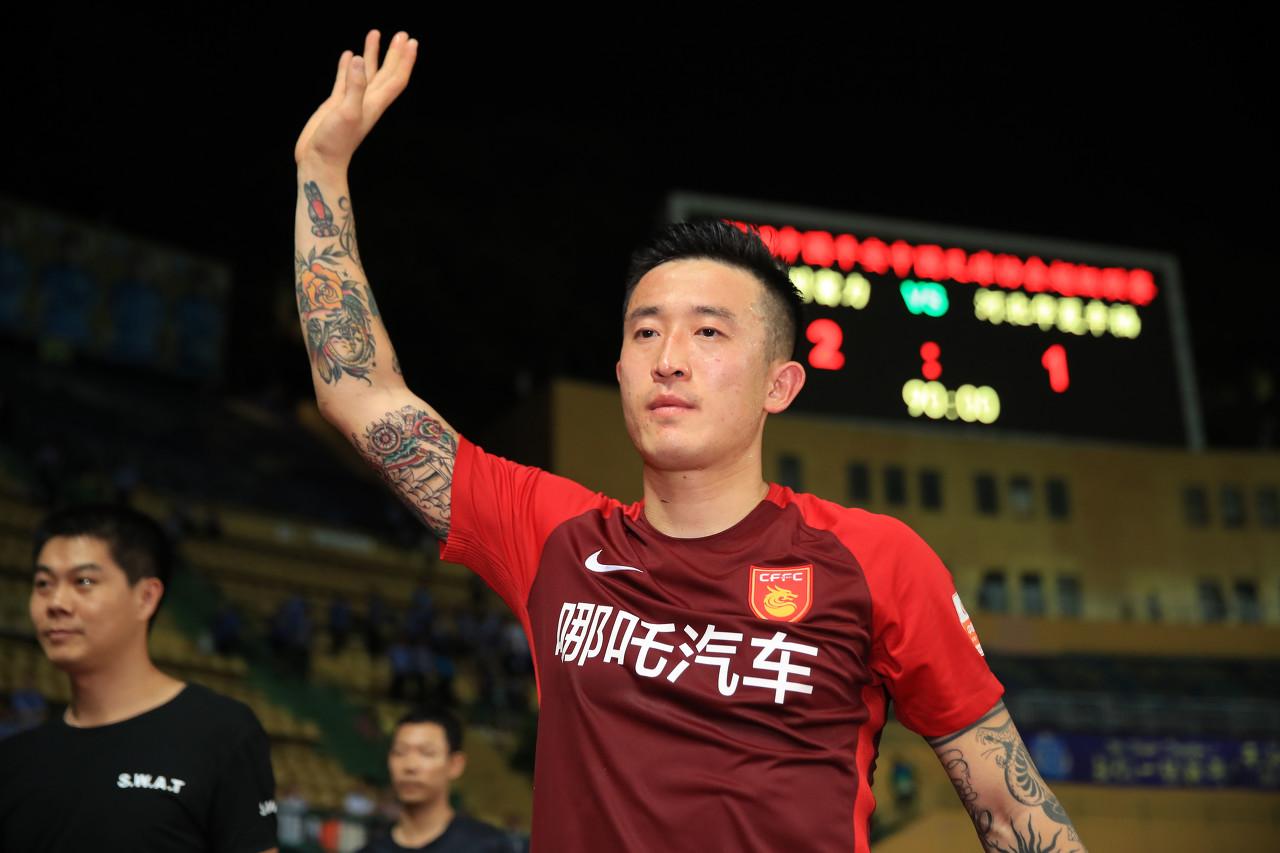姜至鹏结束国家队集训后将与深足签约,并加入深足练习 
