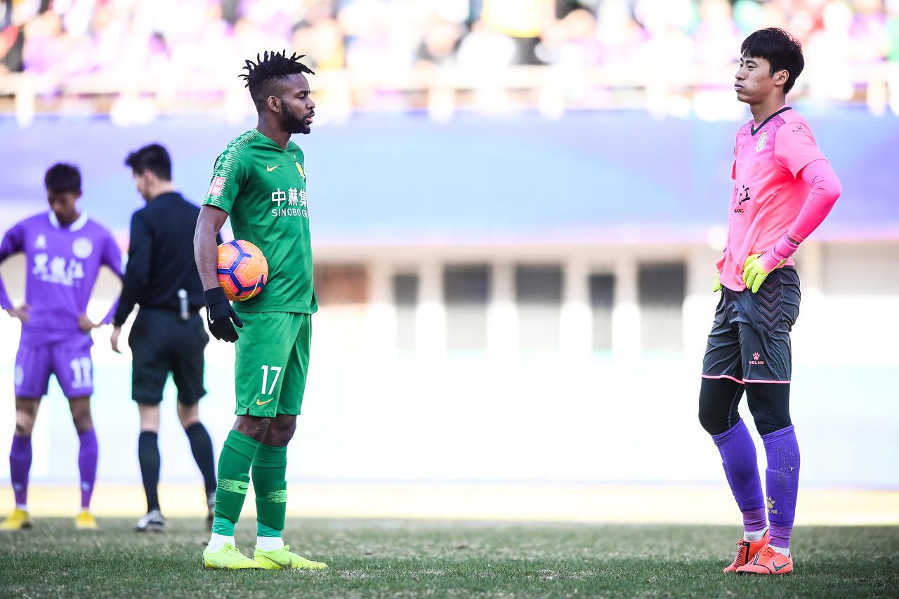 记者:中甲最佳门将徐嘉敏与大连人达成共同,新赛季有望加盟