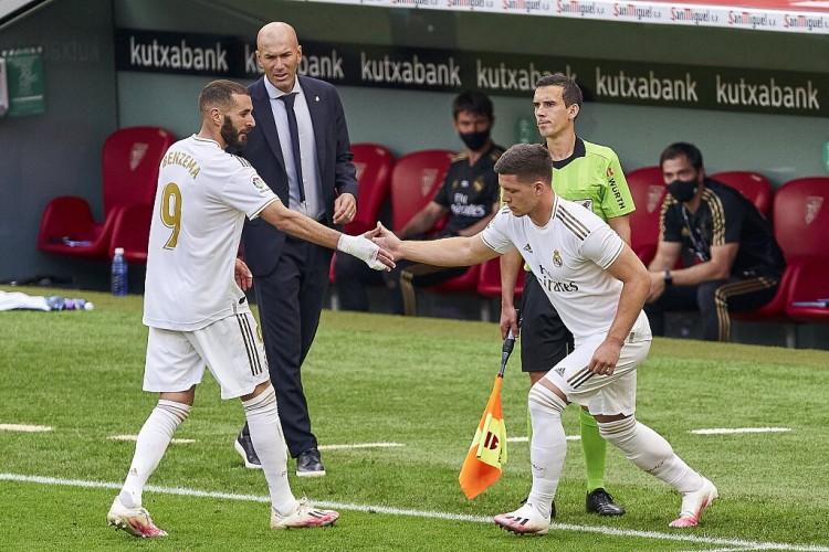 马卡报:皇马与巴列卡诺的热身赛吊销,因后者有球员检测效果未出