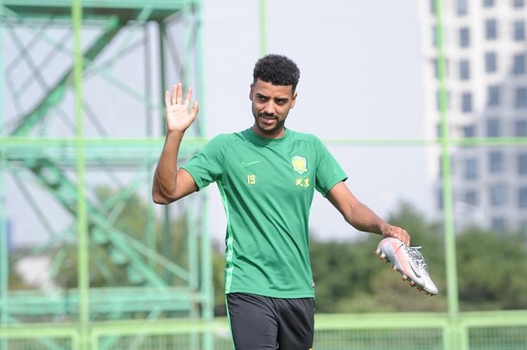 阿兰会缺席国足前两周集训,后期是否加入现在待定   