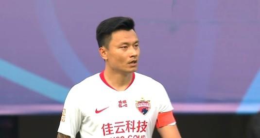 津媒回应郜林不公平说法: 游戏规则便是这样,只能说适者生存