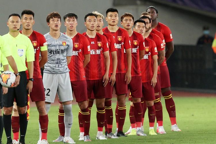 去年只领到50%薪水,华夏球员集体向足协提交欠薪裁决恳求   