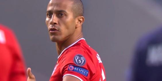哈格里夫斯:赤军球迷巴望蒂亚戈的加盟,拜仁应该留住他