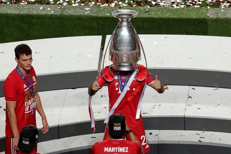 踢球者:卢卡斯现在在拜仁首要作用是庆祝,新赛季他时机也不多