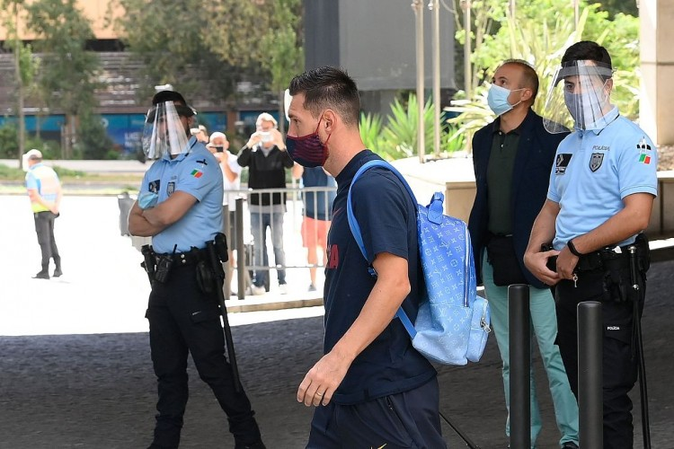 马卡:因缺席冠状病毒检测和练习,巴萨可按队规对梅西进行处置