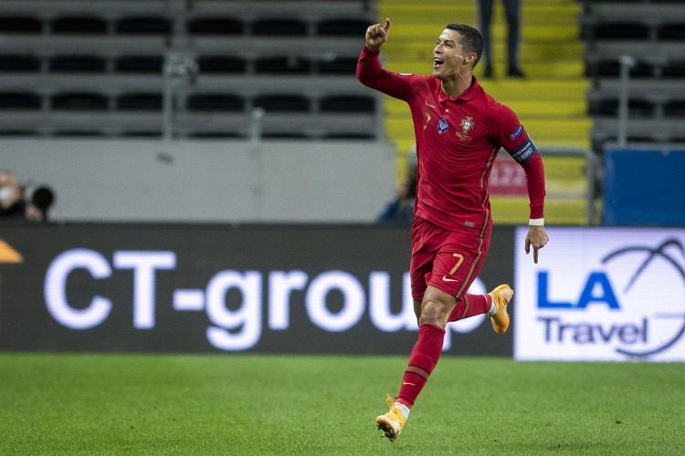 自2004年迎来国家队首秀以来,C罗每个天然年都为葡萄牙进球   