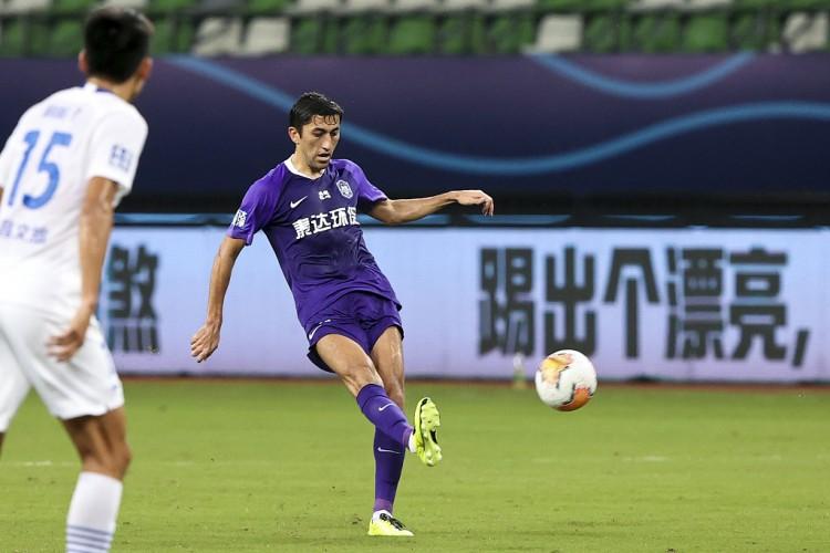 尽管有别的一支中超球队也有意引入艾哈迈多夫,但沧州雄狮联系时间更早