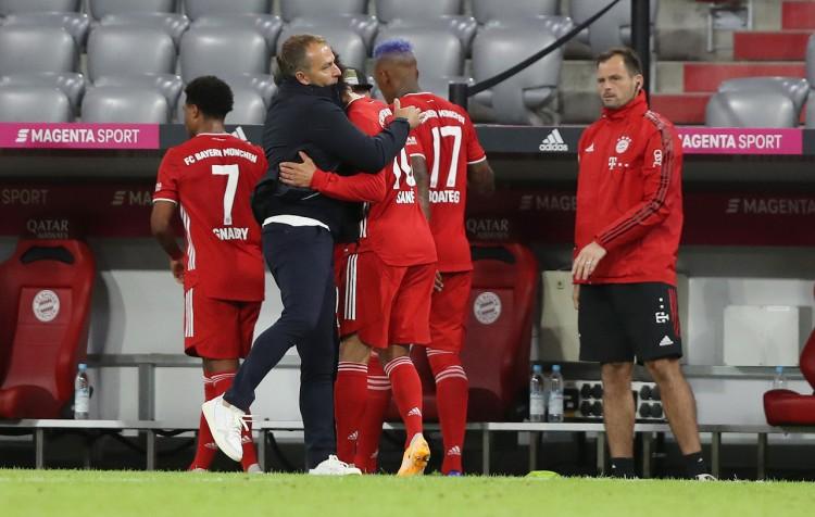 弗里克:萨内最近跟随克洛泽练习射门,这对他协助很大 