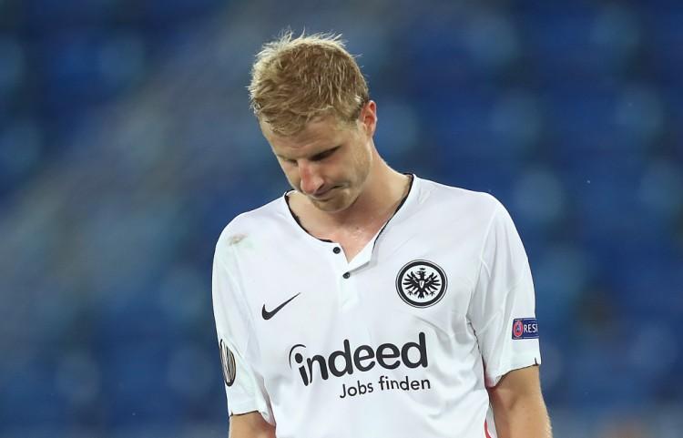 追平为难纪录,法兰克福后卫成为德甲打进乌龙球最多的球员