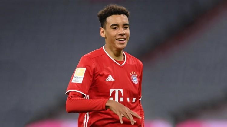 拜仁期望在穆西亚拉18岁生日那天与他签定新的合同 