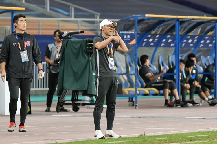 记者:开端策划新赛季备战,重庆主帅张外龙已回来我国