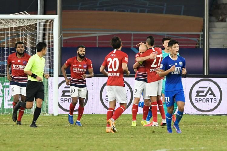 足球报:重庆新协作伙伴已着手处理欠薪问题,球队阵容迎来重组