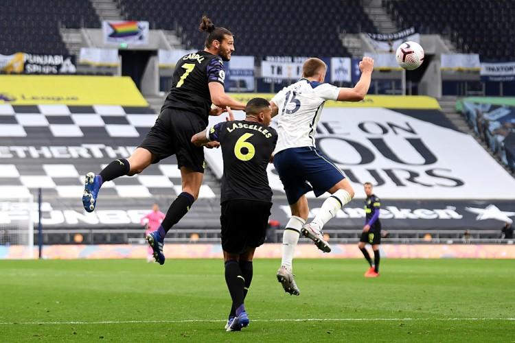 天空体育:国际足球协会理事会下周将对手球规矩的修正展开讨论
