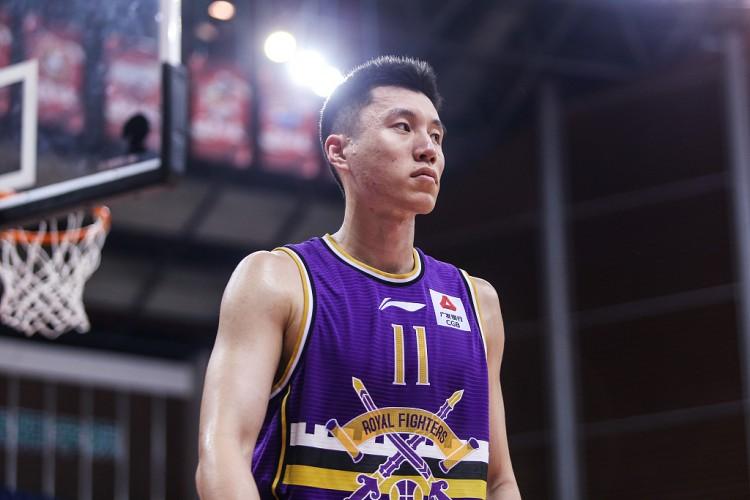 北控男篮94比76大胜江苏男篮,常规赛战绩提高到了5胜7负