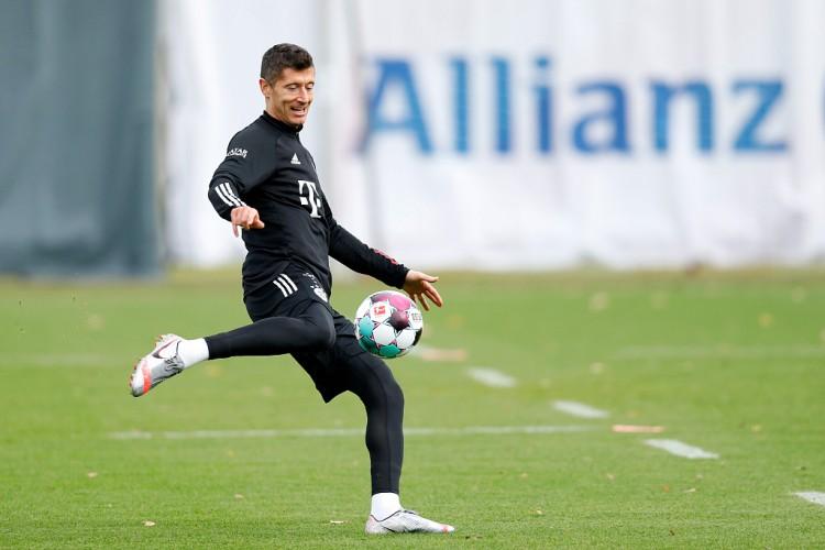 近6个赛季莱万为拜仁打进250球,逾越梅罗排名五大联赛之首