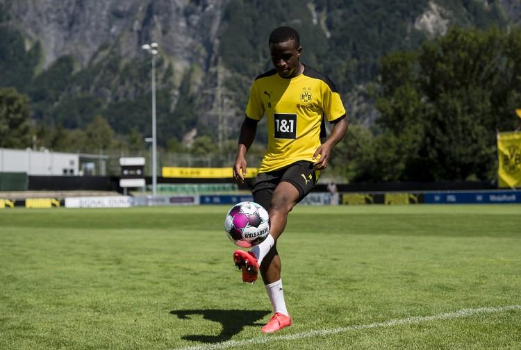 多特青训主管:穆科科配得上在德甲进场,他能接受作业足球的负荷
