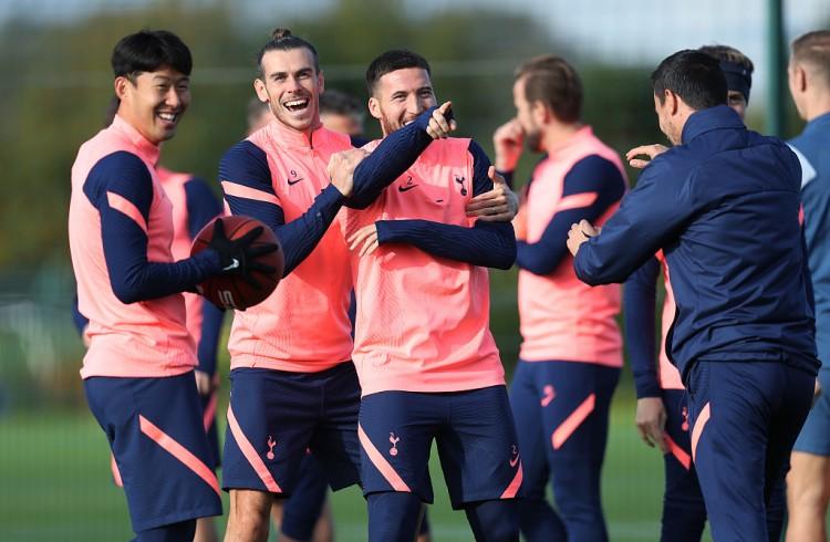 哈塞尔巴因克:我看好热刺可以夺得英超冠军,这可能会损伤切尔西的球迷