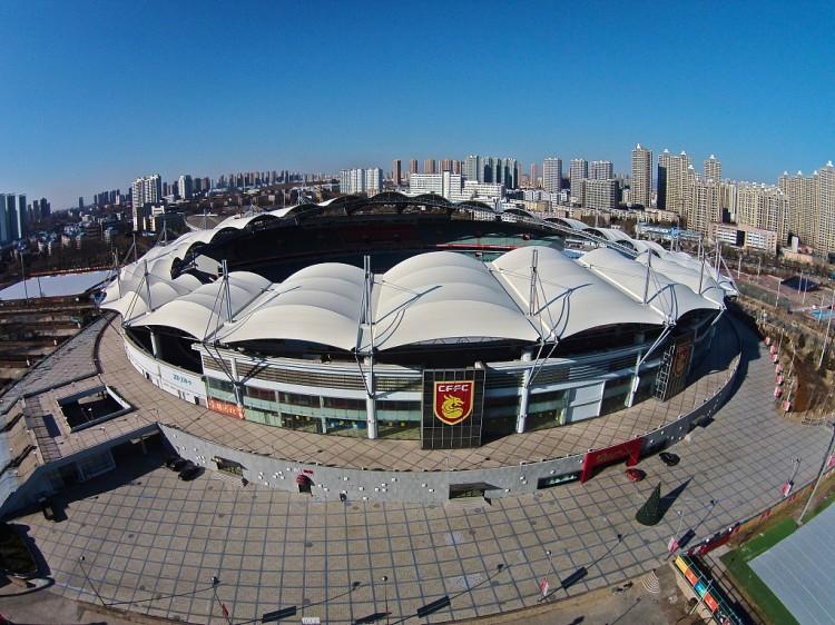 体坛:华夏主场正式引入锚固型草坪施工体系,属亚洲首台 
