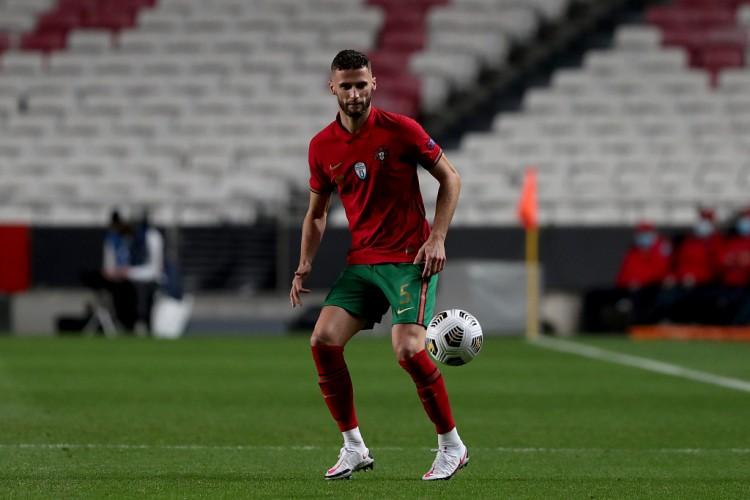 葡萄牙年青后卫:C罗是咱们最巨大的人物,仍是一个很棒的队长