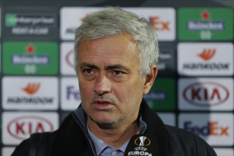 穆帅:曼城和利物浦在财务上更宽裕,但我不会诉苦热刺 