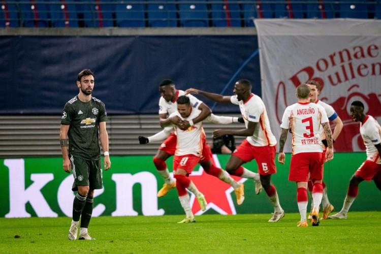 曼联欧冠出局是自取其祸,他们的竞赛状态出的太晚了  