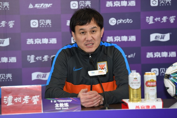 郝伟:冬训面对的困难很大 新赛季从心里讲希望夺得联赛冠军