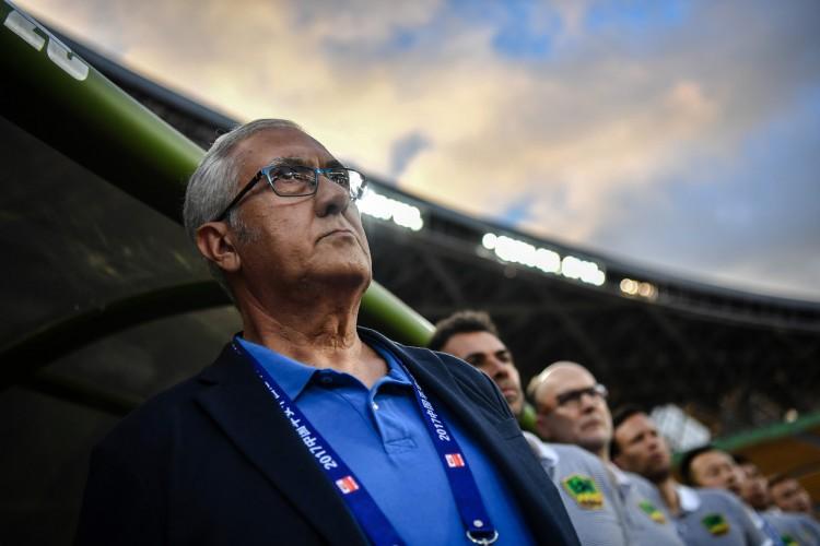 """足球报:FIFA阻止贵州引援并非""""三年"""",若不补偿将一向履行"""