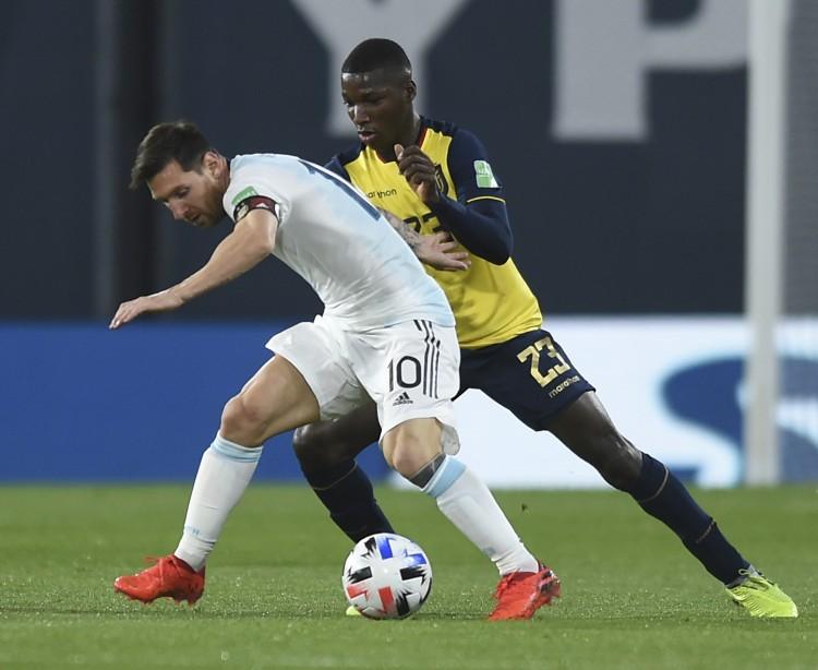 罗马诺:曼联决议不签厄瓜多尔19岁小将凯塞多,蓝军仍在比赛