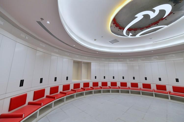 沪媒:浦东球场主队更衣室对标伊蒂哈德,带回音效果设备