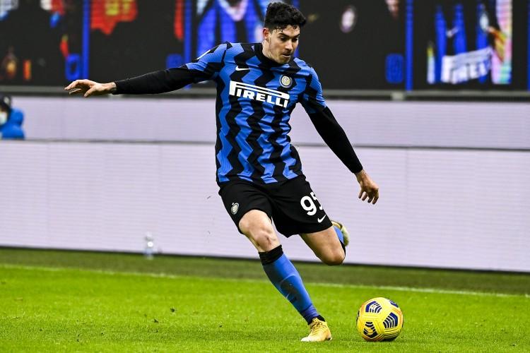 国际米兰3-1战胜了拉齐奥,积分超越米兰,成功登顶