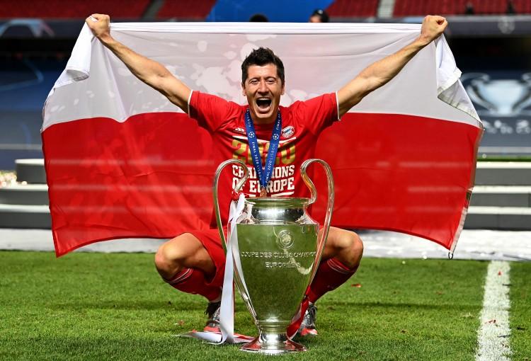 莱万:六冠王是非常特别的成就,世俱杯比赛会坚持100%专注 