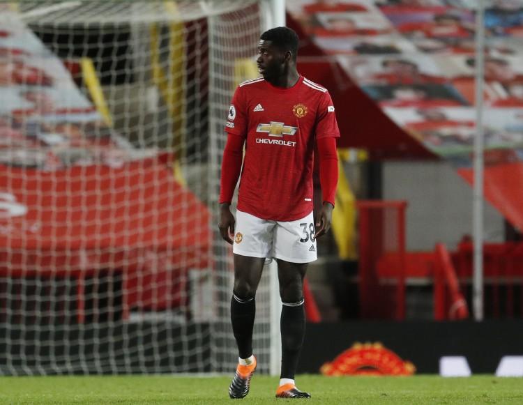 在曼联遭到埃弗顿绝平的赛后,图安泽贝再次遭到种族歧视