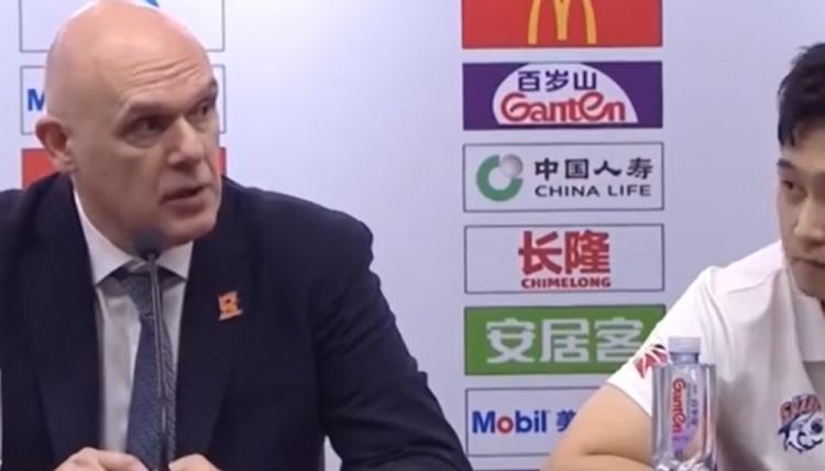 上海主帅斯帕夏谈到了他与本场竞赛裁判的互动