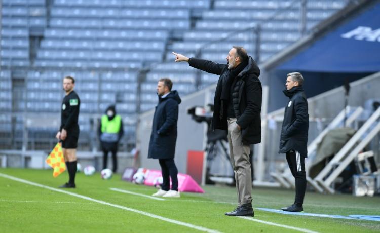 斯图加特主帅谈被拜仁翻盘:红牌后球队体现欠好,被拜仁抓住机会