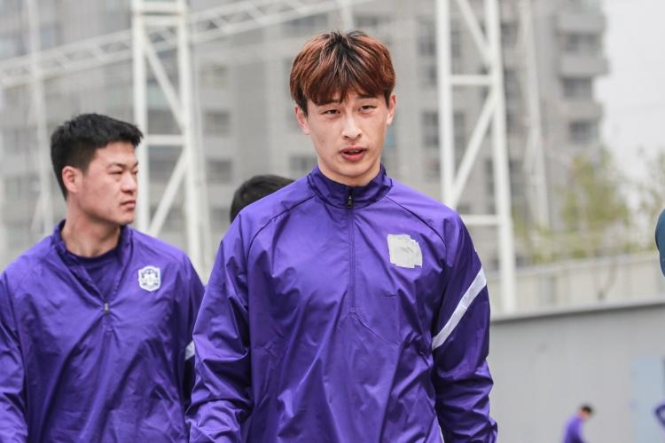 北青:巴顿离队为寻求更多比赛时机 京津德比因回避条款无法登场