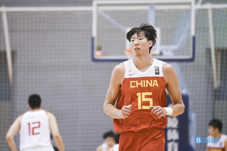 北青:中国男篮今年面临巨大困难 锻炼&培养年轻球员现实意义更大