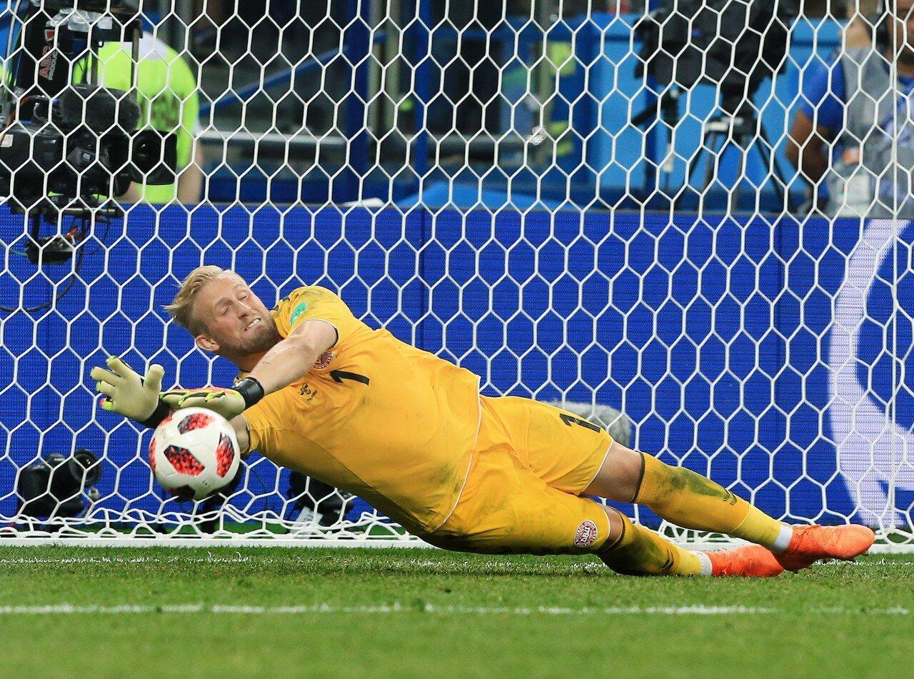 在欧国联A级B组的一场竞赛中,丹麦队2-1打败冰岛队