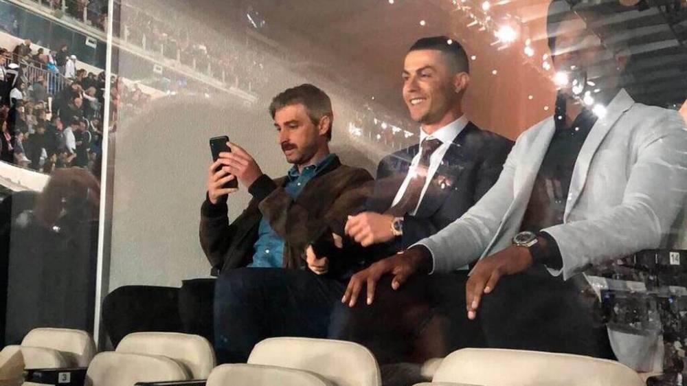 你回家了我在等你呢!伯纳乌球迷赛后高唱Cristiano Ronaldo