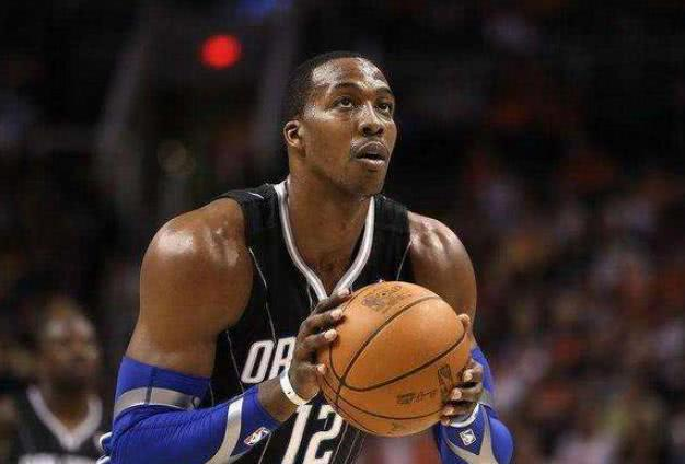 這就是NBA級別的肩寬!Leonard碾壓小鋼炮,魔獸太誇張像P圖!-Haters-黑特籃球NBA新聞影音圖片分享社區