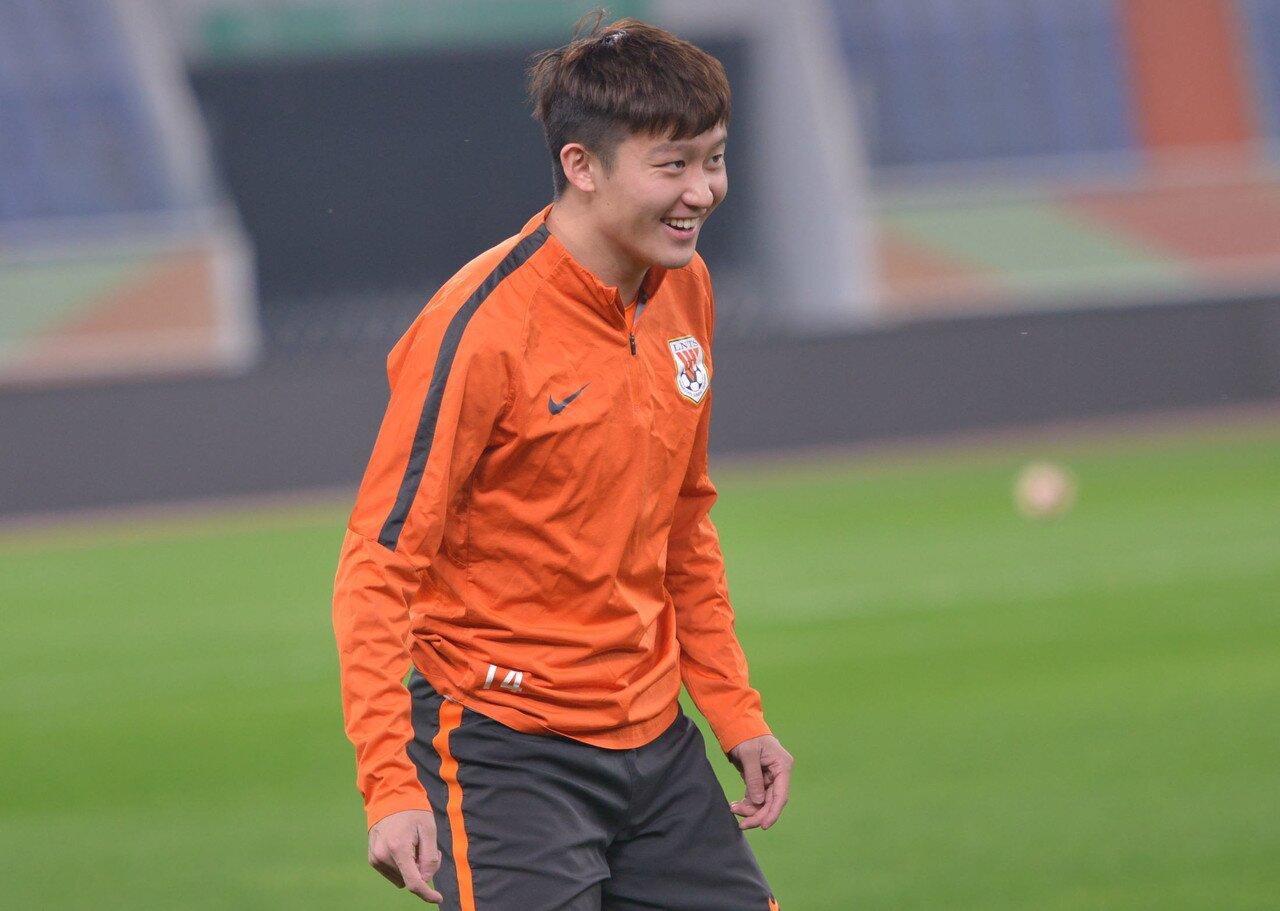 王彤:感谢滕卡特帮忙我成长 期待将来在国足站稳脚根